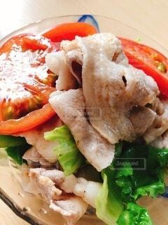 食べ物の皿のクローズアップの写真・画像素材[4874103]