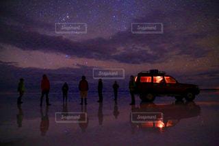 星空のウユニ塩湖の写真・画像素材[1129663]