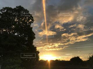 夕日と空の写真・画像素材[4877676]