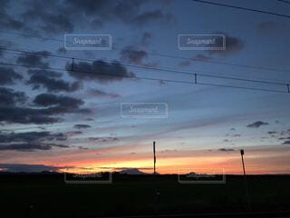 日没の夕方の写真・画像素材[4877696]