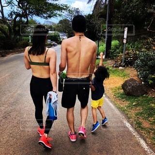 ハワイで山登りの写真・画像素材[4939291]