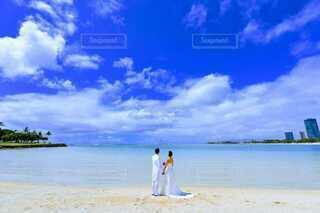 ハワイでのウェディングフォトの写真・画像素材[4939293]