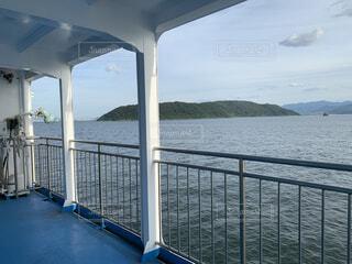 船から見たしのこの島の写真・画像素材[4875612]