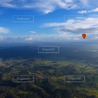 気球に乗っての写真・画像素材[4873332]