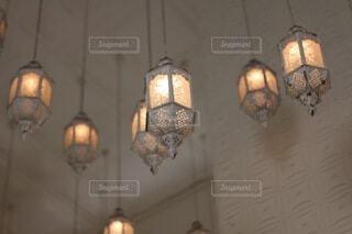 繊細な照明の写真・画像素材[4881887]