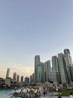 背景に都市の写真・画像素材[4870619]