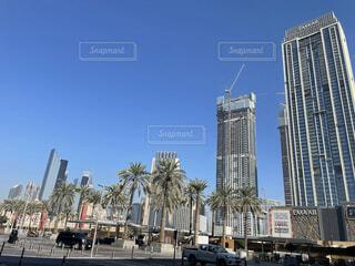 都市の高い建物の写真・画像素材[4870633]