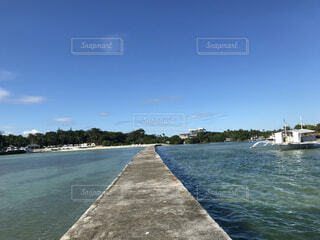 桟橋と海の写真・画像素材[4908039]