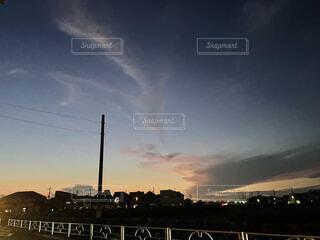 夏の夕暮れの写真・画像素材[4877950]