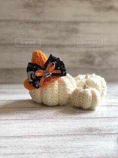 白かぼちゃとハロウィン帽子の写真・画像素材[4870476]