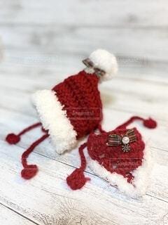 サンタクロースの赤のずきん帽子とスタイの写真・画像素材[4874090]