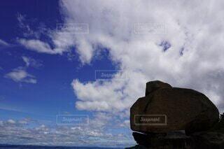 空と岩の写真・画像素材[4876501]