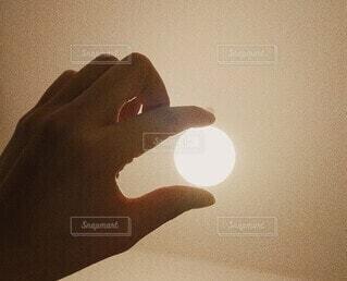 月のようなライトの写真・画像素材[4887334]
