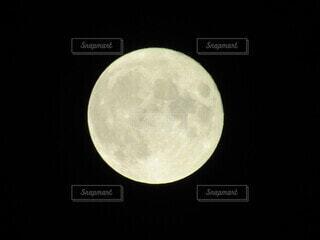 スーパームーンの写真・画像素材[4887333]