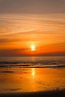 あの日見た夕日の写真・画像素材[4873183]