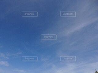 秋の雲の写真・画像素材[4898833]