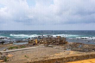 水域の隣の砂浜の写真・画像素材[4871326]