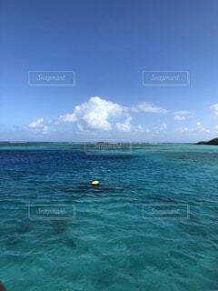 青い海の写真・画像素材[4889252]