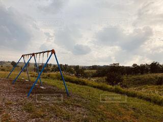 夕暮れブランコの写真・画像素材[4937369]