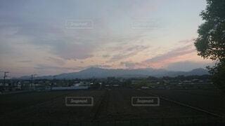 曇りの日の都市の眺めの写真・画像素材[4872437]