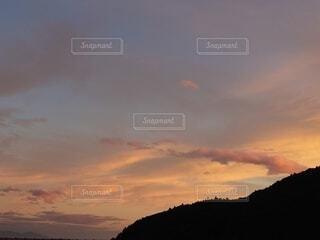 夕暮れ、空の雲の群。の写真・画像素材[4879467]