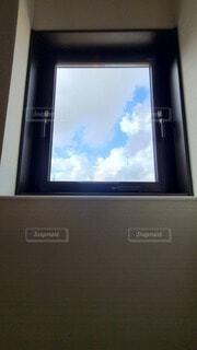 窓からの空の写真・画像素材[4886055]