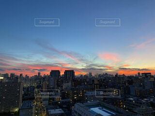 日没時の都心の写真・画像素材[4873307]