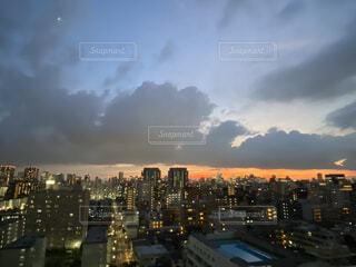 日没時の都心の写真・画像素材[4873318]