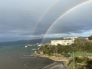 二重の虹の写真・画像素材[4873501]