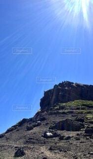 登山 山頂へ登るの写真・画像素材[4873530]