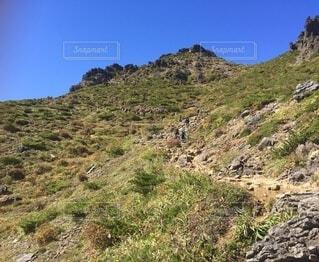 登山道を歩くの写真・画像素材[4875734]