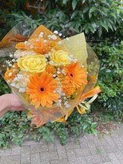 ある町で買った花束の写真・画像素材[4874703]
