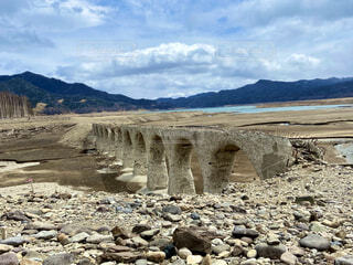 今にも崩れそうなメガネ橋の写真・画像素材[4874014]