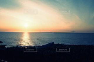 夕陽と彼方の富士の写真・画像素材[4874407]