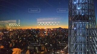 夜の都市の眺めの写真・画像素材[4874755]