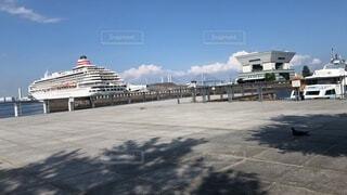 【青空×船】昼下がりの港の写真・画像素材[4875167]