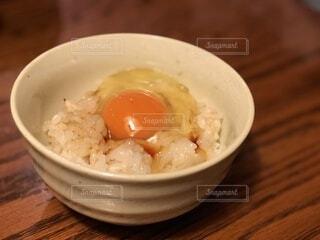 【白米×卵】卵かけご飯の写真・画像素材[4878369]