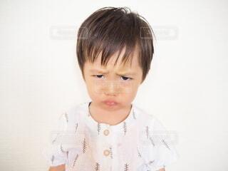 怒っている子供の写真・画像素材[4894228]