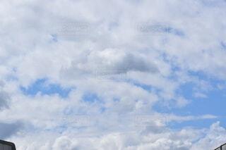 空と雲の群れの写真・画像素材[4876441]