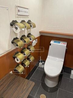 珍しいトイレの写真・画像素材[4876706]