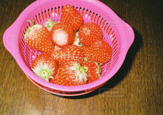 皿の上のフルーツ ボウルの写真・画像素材[925242]