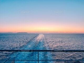 海の朝焼けの写真・画像素材[4938963]
