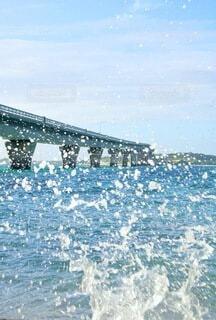 波の勢いそのままにの写真・画像素材[4939890]