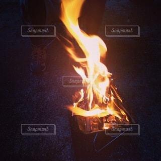 焚き火の写真・画像素材[4944804]