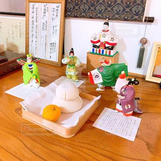 お正月のおめでたい鏡餅と飾りの写真・画像素材[2878005]