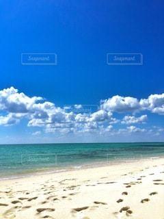 海の横にある砂浜のビーチの写真・画像素材[194]