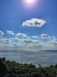 水体の上空で雲のグループの写真・画像素材[147]