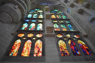 大きな窓のある建物の写真・画像素材[1618207]