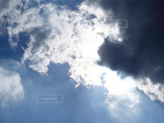 青い空に雲の写真・画像素材[1224772]