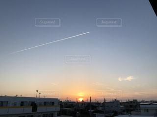 飛行機雲の写真・画像素材[1211383]